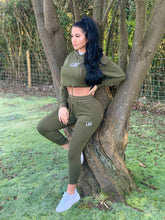 Load image into Gallery viewer, KHAKI ESSENTIAL SKINNY JOGGERS
