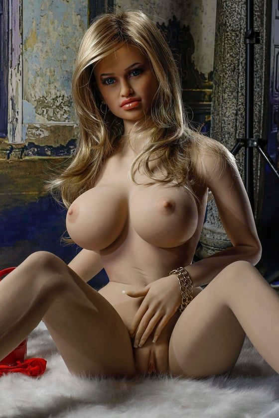 Coco: Sweet Blonde Big Tits Love Doll - Dollzzz.com