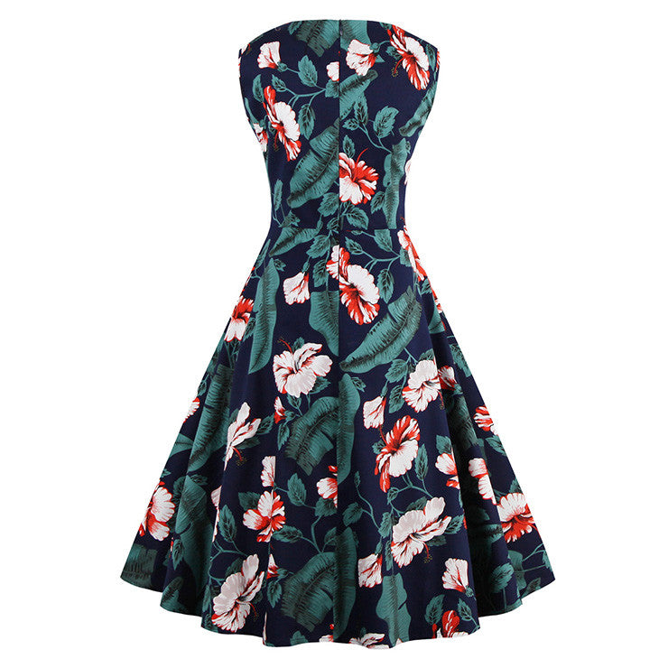 1950's Vintage White Clover Floral Print Flared Swing Dress