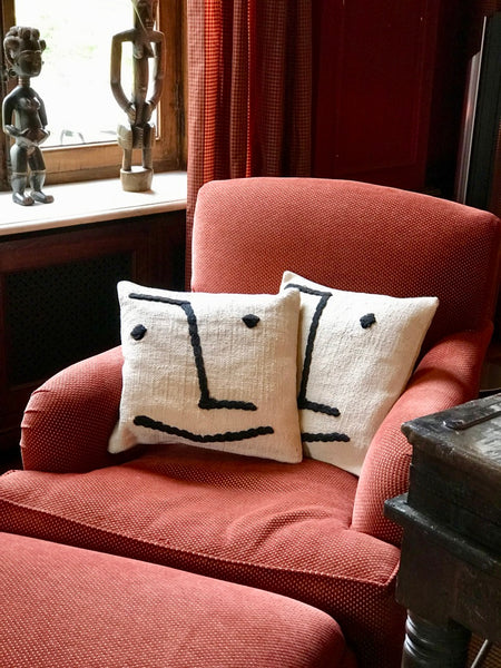 Decorative cushion cover with smiley face - Zetuké Home Decor