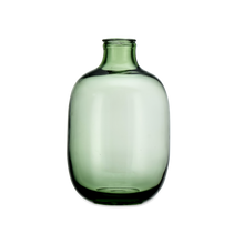 Load image into Gallery viewer, Lua glass vase green - Zetuké Home Decor