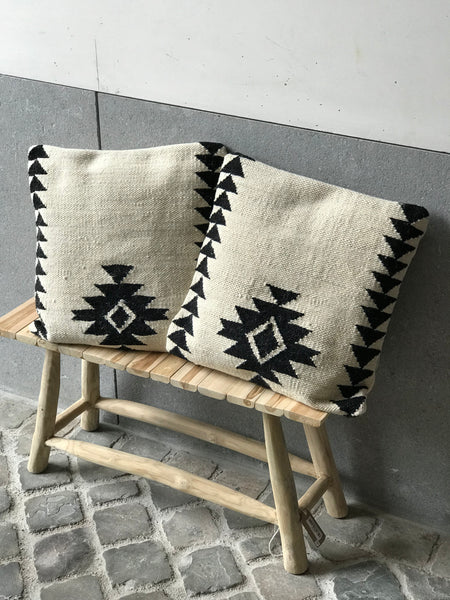 Cushion cover with aztec patterns - Zetuké Home Decor