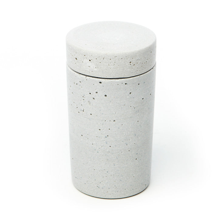 Light grey polystone jar with lid - Zetuké Home Decor