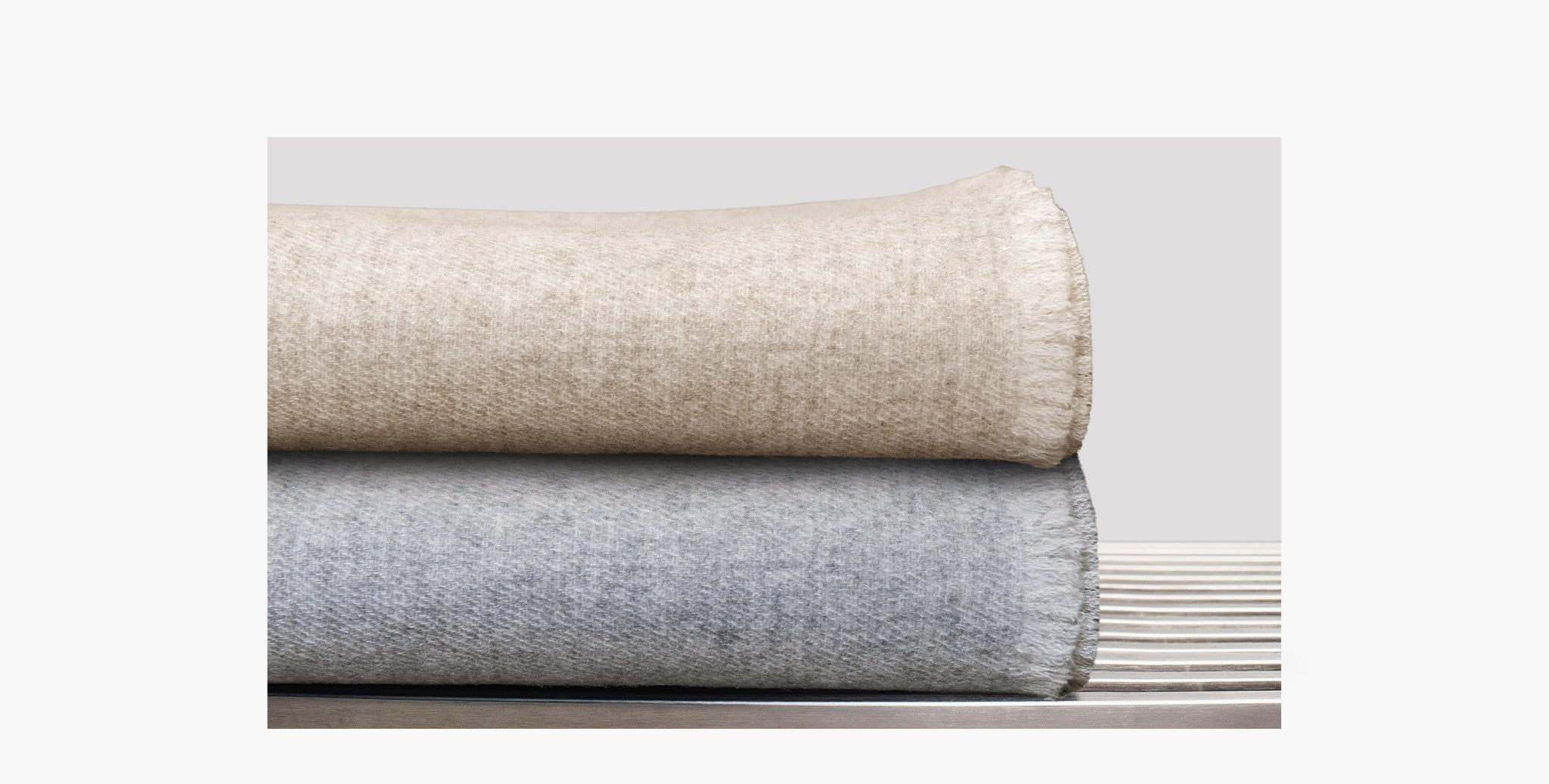 Double Sided Cashmere Throw - Grey / Ivory - thumbnail 2