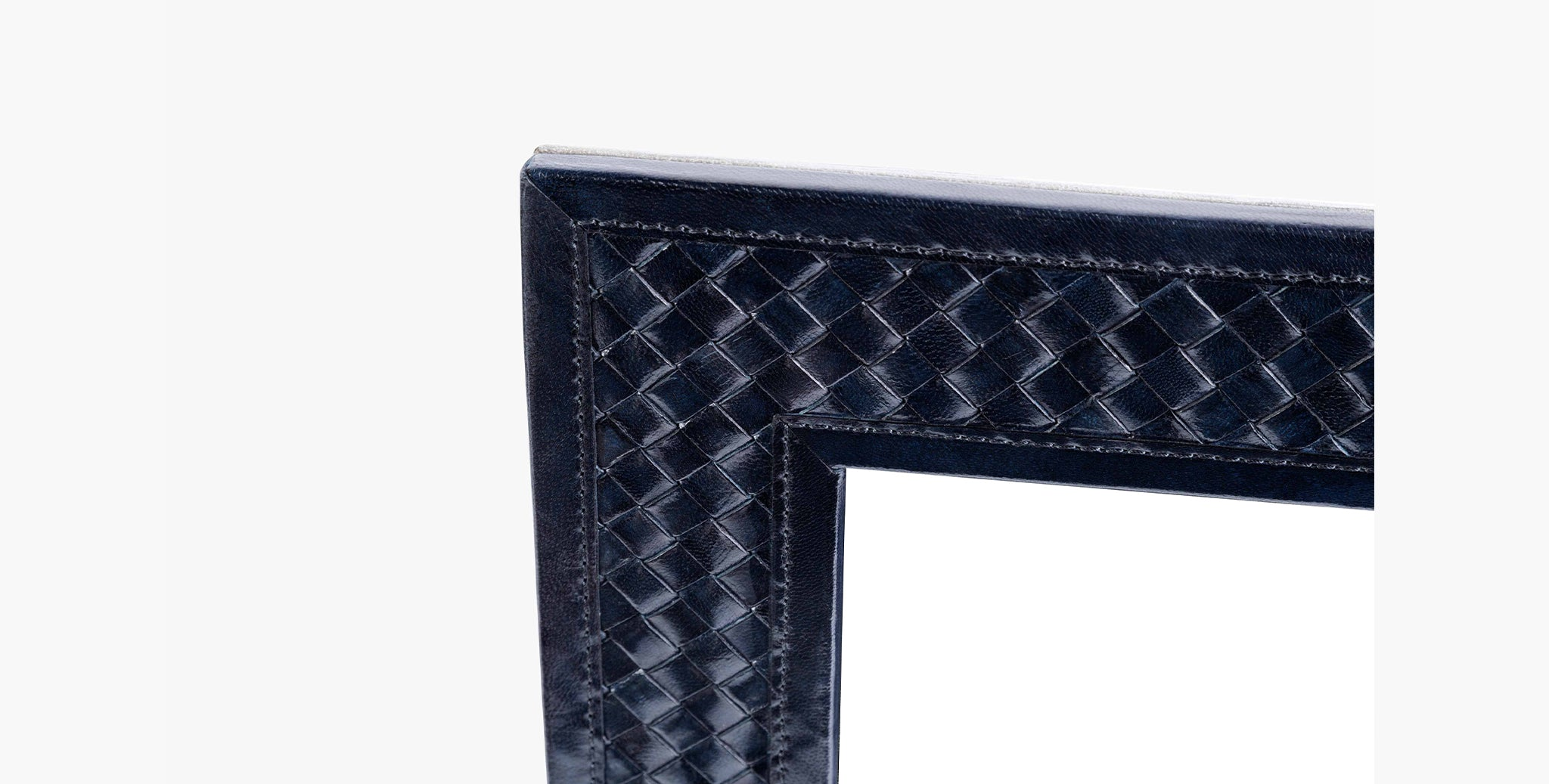 Clarion Woven Picture Frame - thumbnail 3