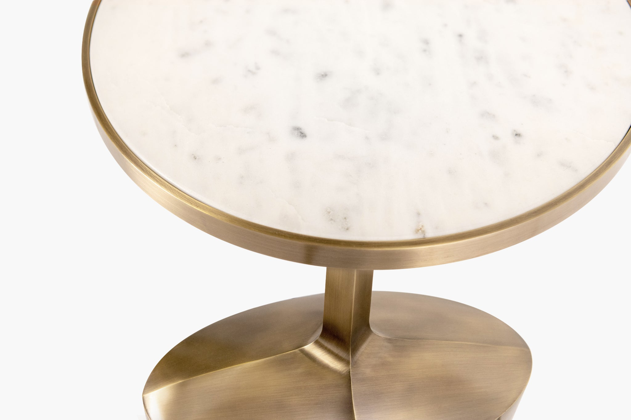 Piccolo Side Table with Oval Base - thumbnail 3