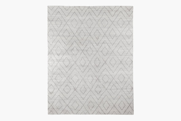 Performance Double Diamond Moroccan Rug – Silver / Fog
