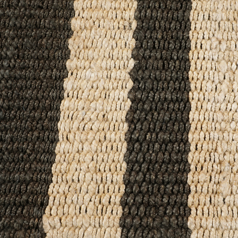 Banna Rug – Black / Natural - color option