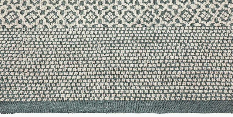 Lola Rug – Blue / Ivory - color option