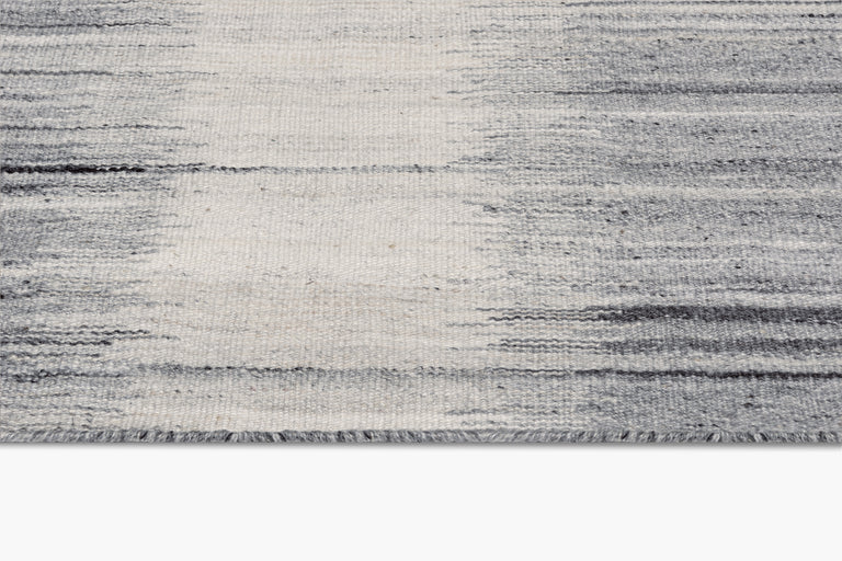 Kata Rug – Silver / Charcoal - color option