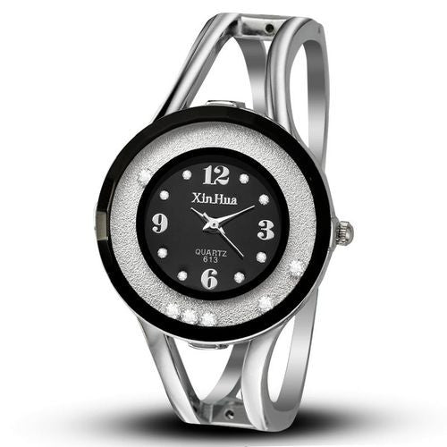 Women Hollow Strap Casual Bracelet Watch