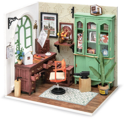 Miniature House: Jimmy's Studio - TREEHOUSE kid and craft