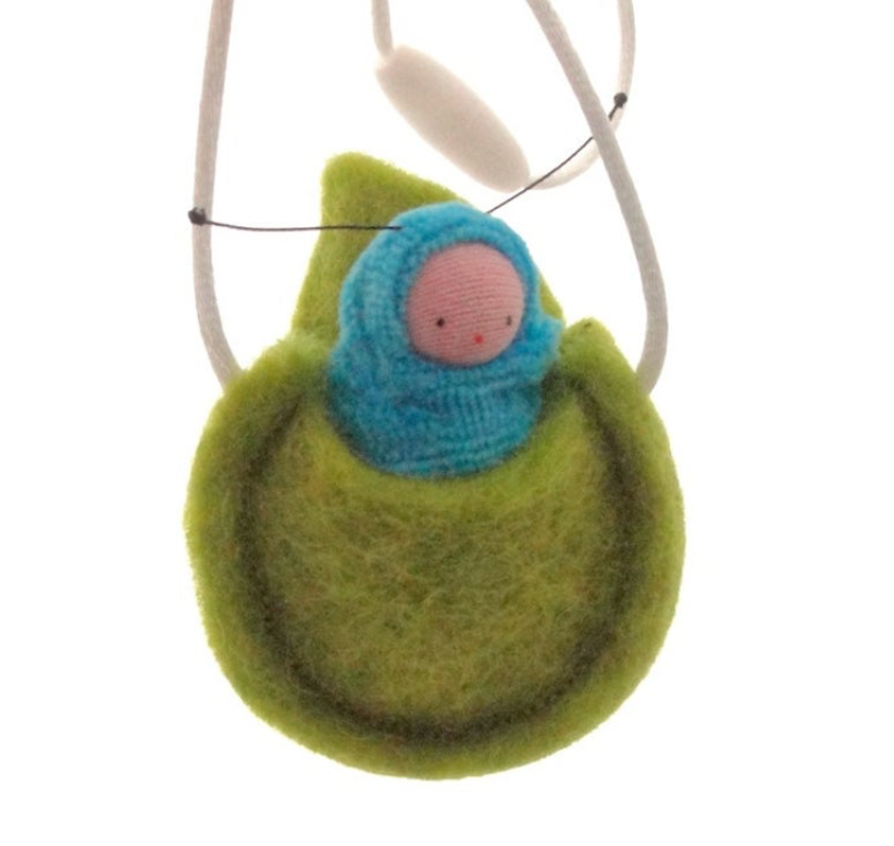 Caterpillar Necklace - TREEHOUSE kid and craft
