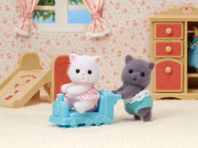 Persian Cat Twins - TREEHOUSE kid and craft
