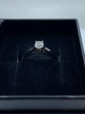 18ct White Gold & Diamond - HJ006