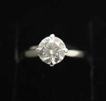 Load image into Gallery viewer, Platinum 1.55ct Certificated Solitare