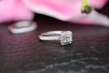 Load image into Gallery viewer, 18ct White Gold Diamond Bridal Ring Set 1.00ct - HJ2045