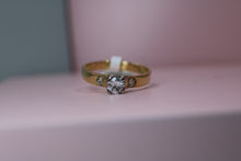 Load image into Gallery viewer, 18ct Yellow Gold Diamond Ring - HJ2107