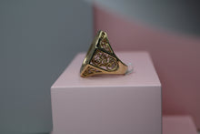 Load image into Gallery viewer, 9ct Gents St Ororob Ring