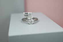 Load image into Gallery viewer, Platinum Diamond Engagement Ring 1.00ct - HJ2083
