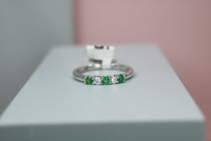 18ct White Gold Emerald & Diamond Ring - HJ2071
