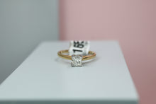 Load image into Gallery viewer, 18ct Yellow Gold Diamond Engagement Ring - HJ2108