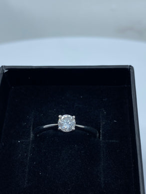 9ct White Gold & Diamond - HJ012