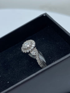 9ct White Gold & Diamond - HJ016