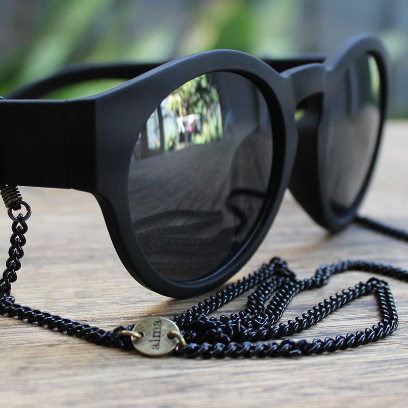 Eyewear Chains