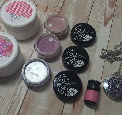 Cruelty Free + Vegan Beauty Box by Orglamix ❤ Handmade | MAY FLOWERS
