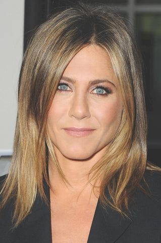 Jennifer Aniston | Glossy Nude Lip | Celeb Beauty Tips + Tricks