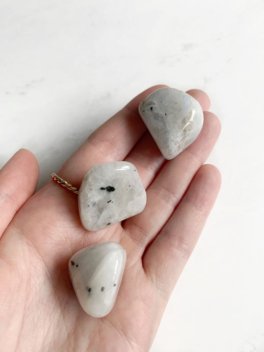 Rainbow Moonstone | Beauty Stone Co