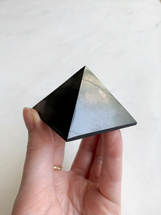 Shungite Pyramid digital detox beauty stone co