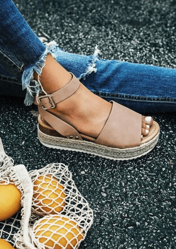 Fashionable women's woven thick-soled solid color metal buckle sandals