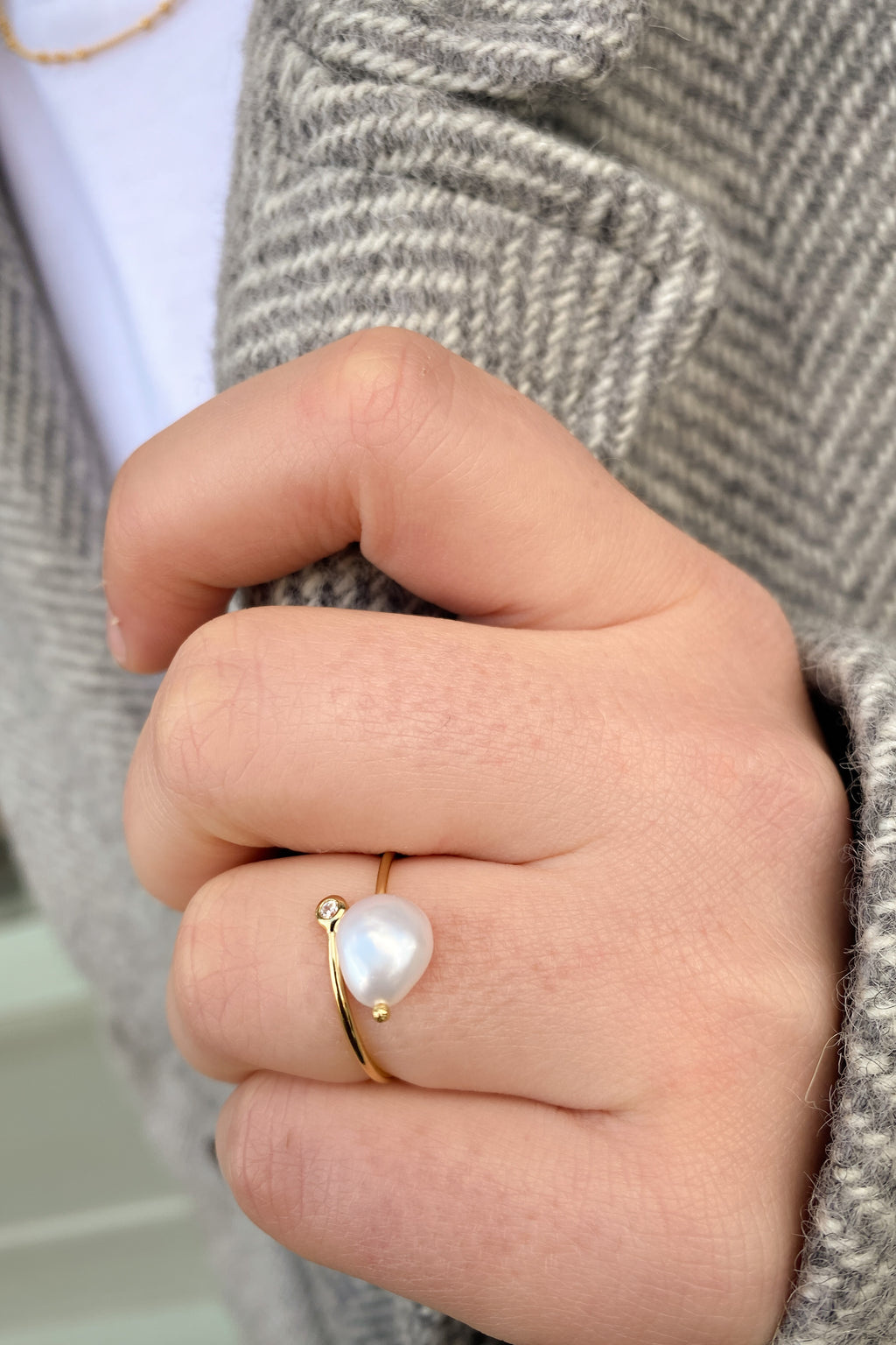 Ania Haie Gold Pearl Twist Adjustable Ring - The Mercantile London