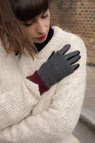 Markberg Helly Black, Grey & Burgundy Gloves