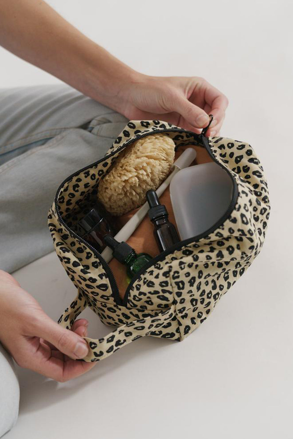 Baggu Dopp Kit Leopard Honey Bag - The Mercantile London