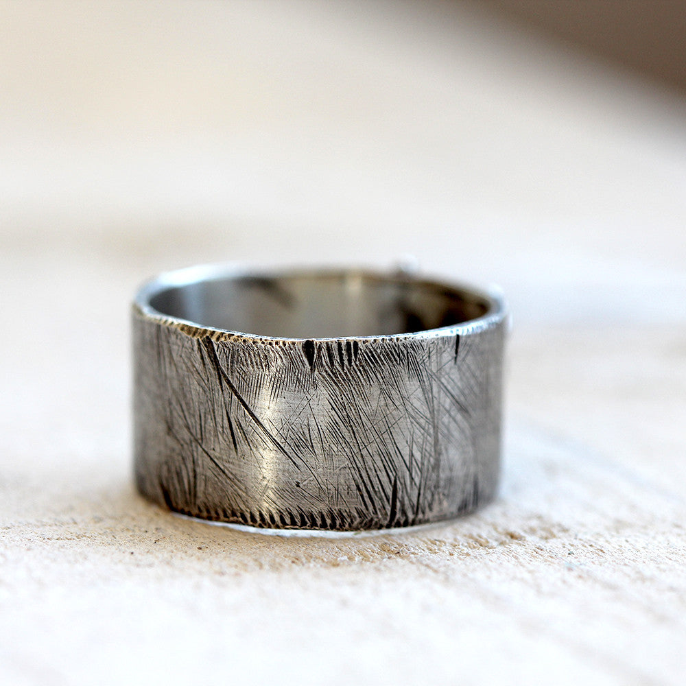 Distressed ring