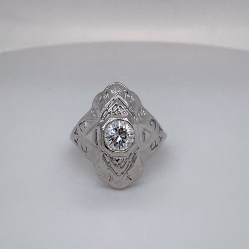 Ladies Vintage Hand Pierced Filigree Ring