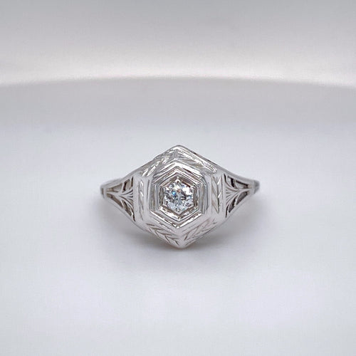 Ladies Classic Vintage Hand Pierced Six-sided Ring