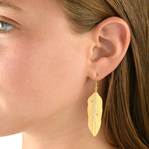 6689 - 14kt yellow gold special engraving feather diamond drop earring