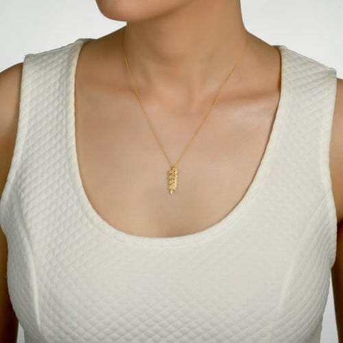 7024 - 14kt yellow gold wheat leaf diamond necklace