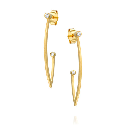 7042 - 14kt yellow matte stain gold flat curve diamond hoop earring