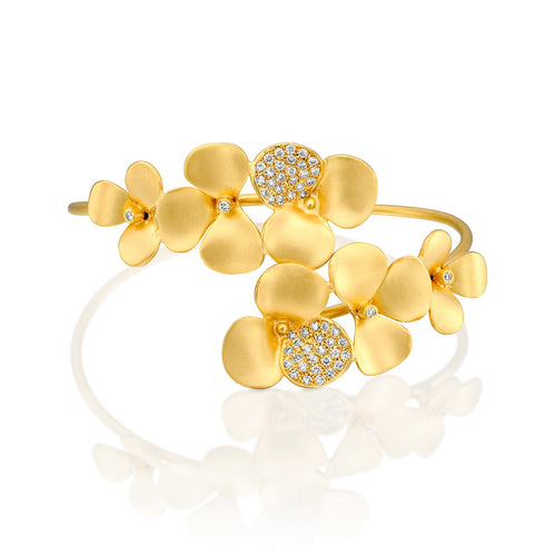 7089 - 14kt matte satin yellow gold flower diamond cuff bracelet