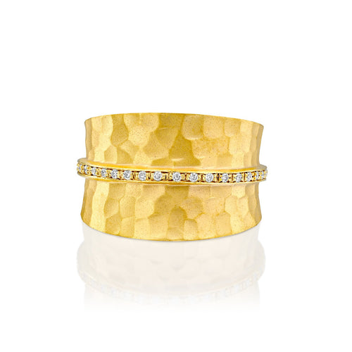 7314 - elegant 14kt hammered yellow gold ring, .12cttw white diamond pave a strip