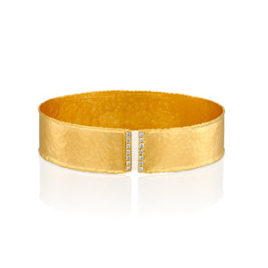 7508 - 14kt yellow gold hammered with torched edges diamond cuff bracelet