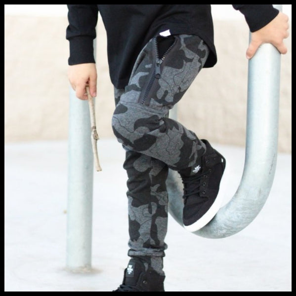 GREY CAMO ZIPPER JOGGERS - POSH KIDDOS