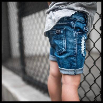 BLUE DISTRESSED DENIM SHORTS - RAXTIN