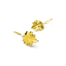 Load image into Gallery viewer, Chrysanthemum Earrings