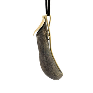 Nepenthes & Fly Necklace